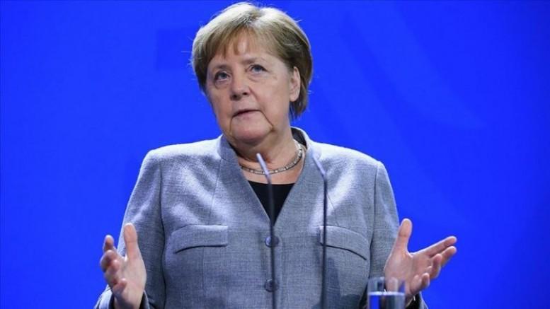 Angela Merkel: 'Almanya yüzde 60 ile 70'ine Koronavirüs bulaşabileceğini söyledi'