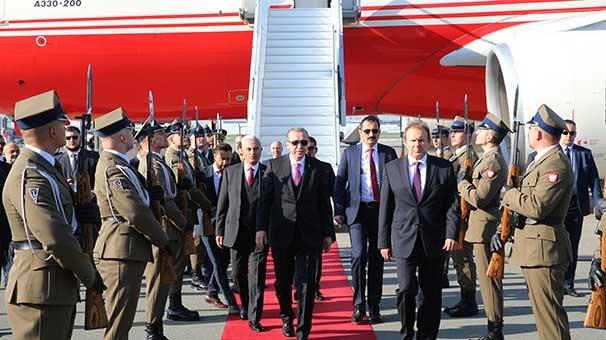 Cumhurbaşkanı Erdoğan Varşova'da resmi törenle karşılandı