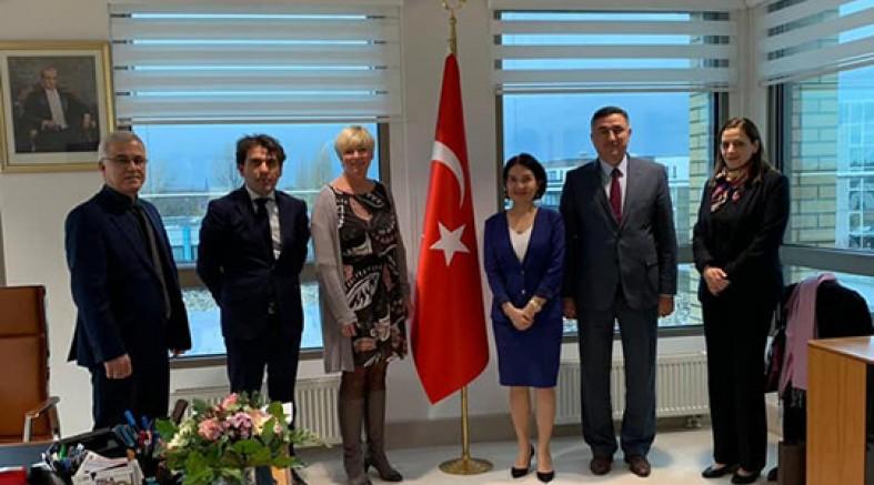 Düsseldorf Konsolosluğu'nda, KRV'deki Türkçe ve Din Dersleri konusunda önemli görüşme