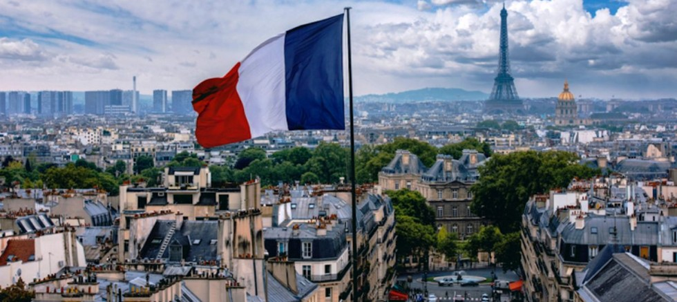 Fransa'da sokağa çıkma yasağı uygulanacak.