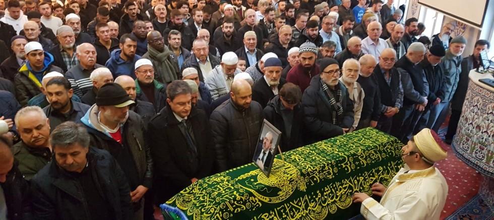 Köln'ün sevilen ismi Ahmet Akkaya, son yolculuğuna dualarla uğurlandı
