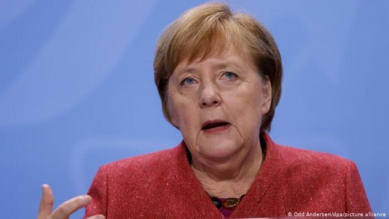 Merkel'den sosyal teması daha da azaltma çağrısı